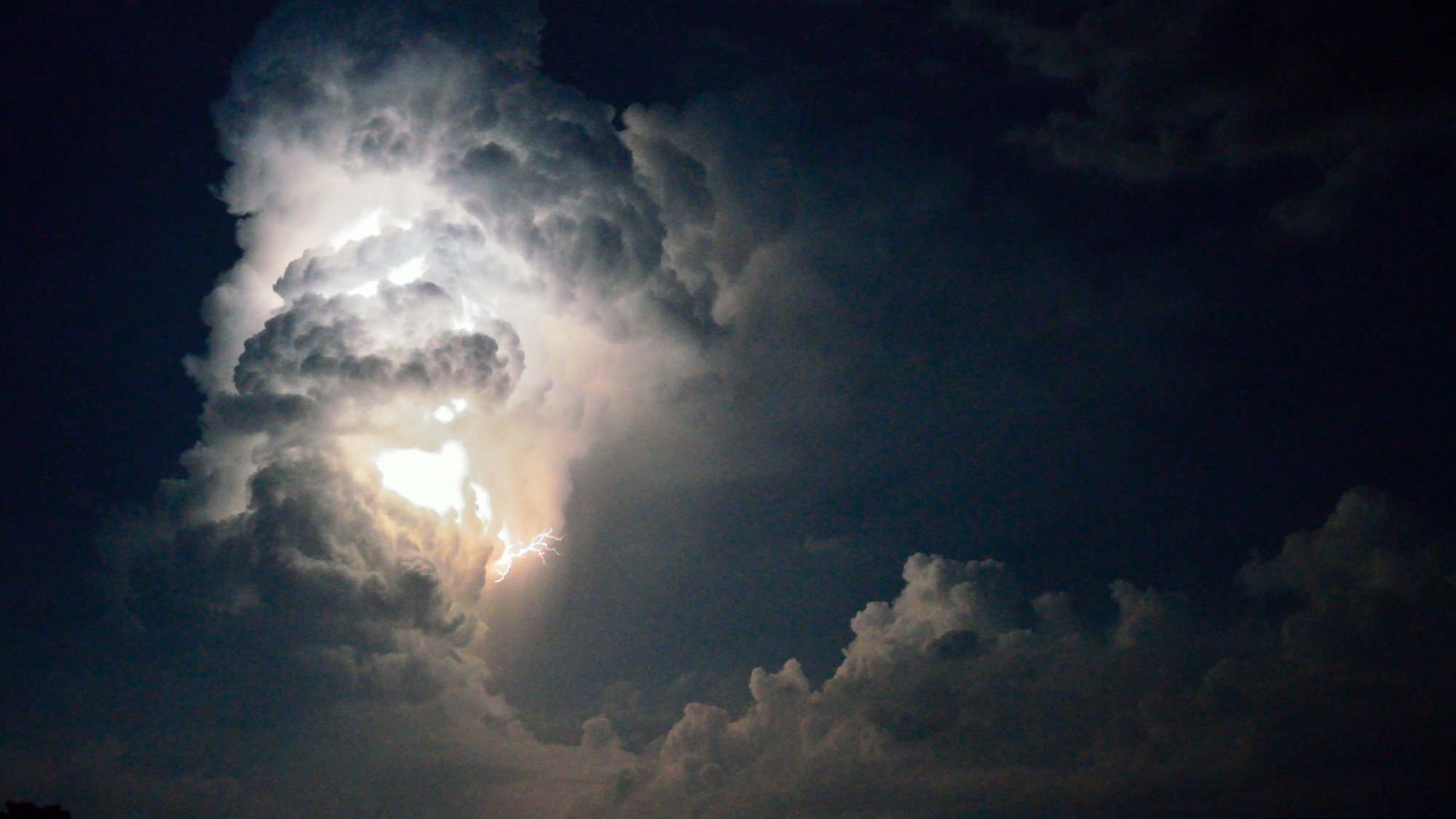 I temporali in montagna: come evitare le situazioni di pericolo