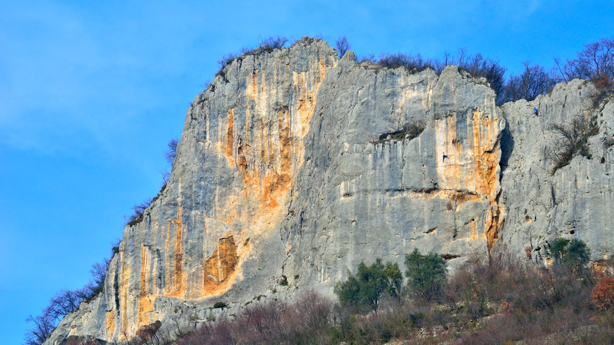 La croce di Lumignano ed il Monte Brojon – 23/04/2020
