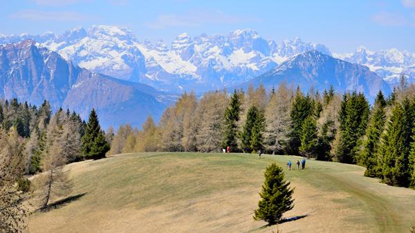 Dolomiti di Brenta scendendo dalla Forra del Lupo