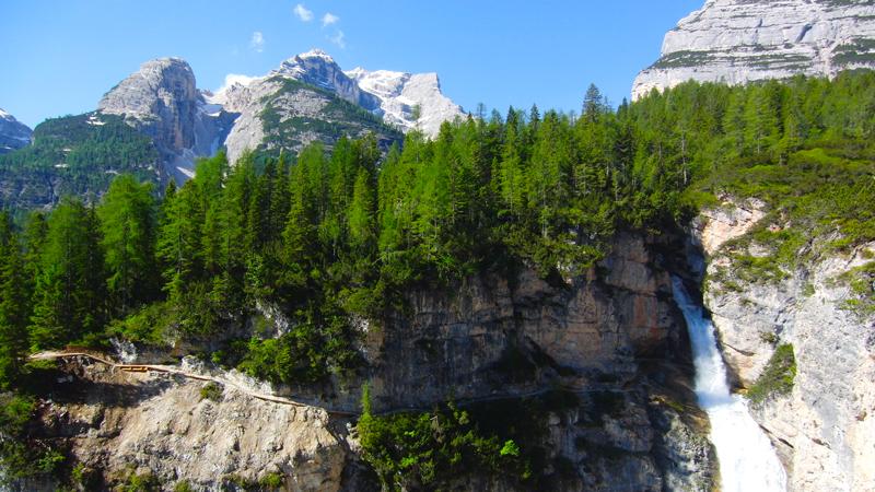 Sentiero attrezzato delle cascate di Fanes