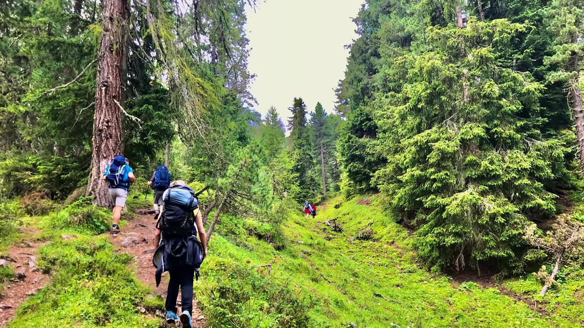 sentiero in Val di Funes